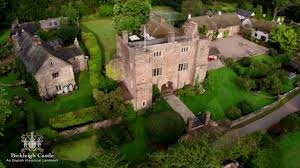 The Parent & Child Nanny Agency provides wedding and event childcare, nanny and babysitting services at Bickleigh Castle